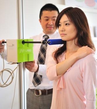 新潟県内では当店だけの測定方法、横向き寝の測定です!!